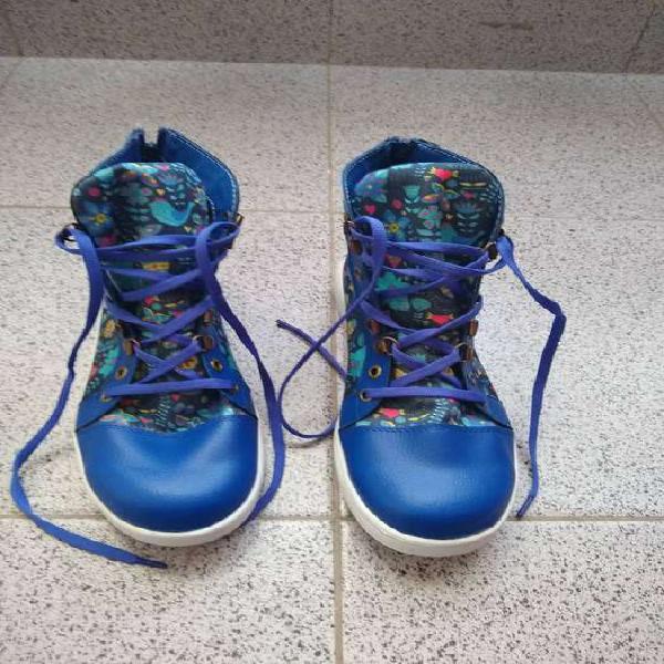 Zapatillas caña alta nuevas