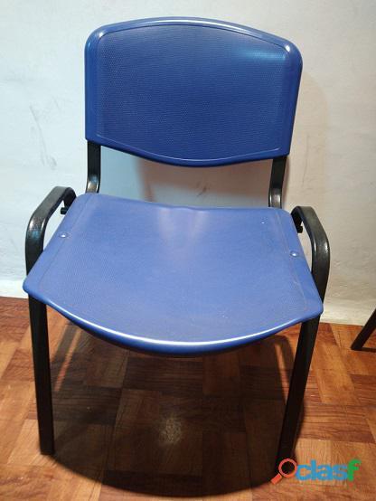 Promo: Escritorio + 2 sillas apilables + 1 silla con apoyabrazos = $11999 2
