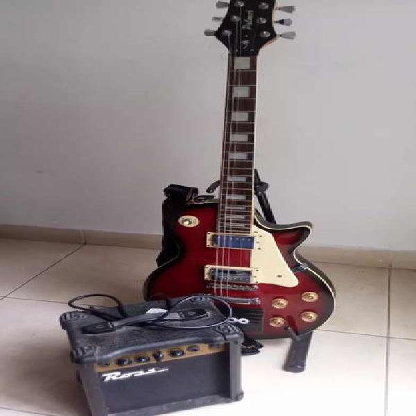 Guitarra electrica marca palmer y amplificador