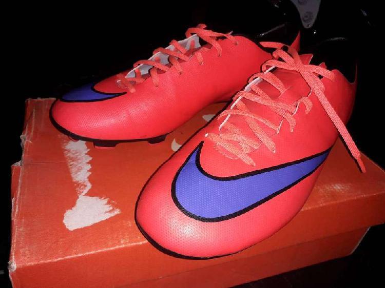 Vendo botines de futbol nike mercurial victory