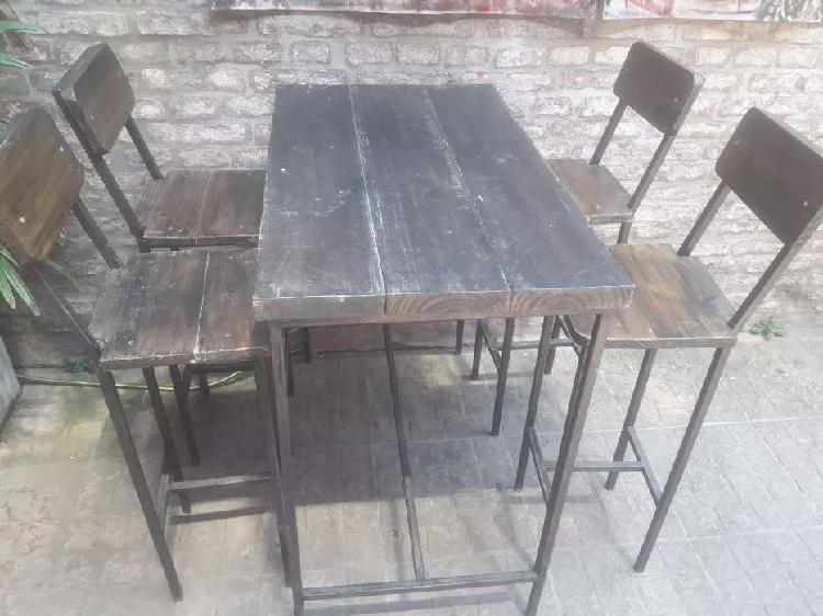 Juego completo de mesas y sillas altas