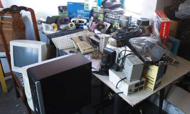 Lote de productos varios de pc y electronica. variedad.