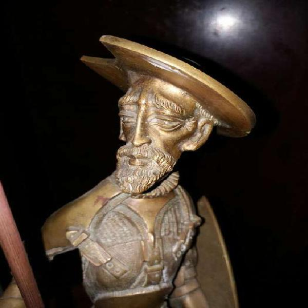 Escultura don quijote de bronce 45 cm