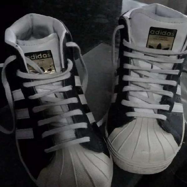 Zapatillas botitas taco escondido