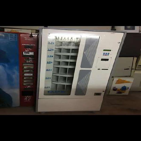 4 máquinas expendedoras