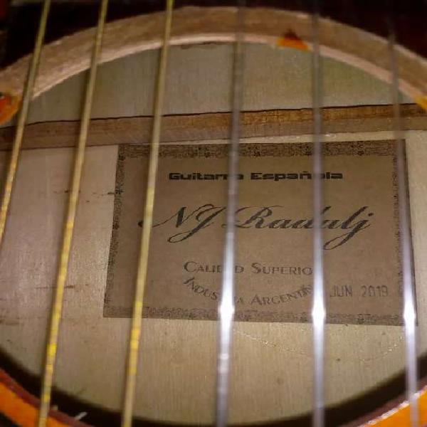 Guitarra criolla + afinador