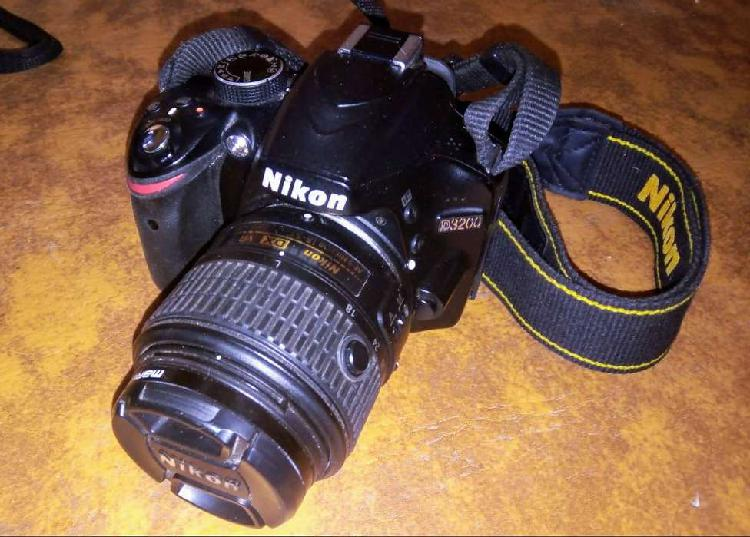 Nikon d3200 18-55 vr ii kit + bolso, memoria 16gb y batería