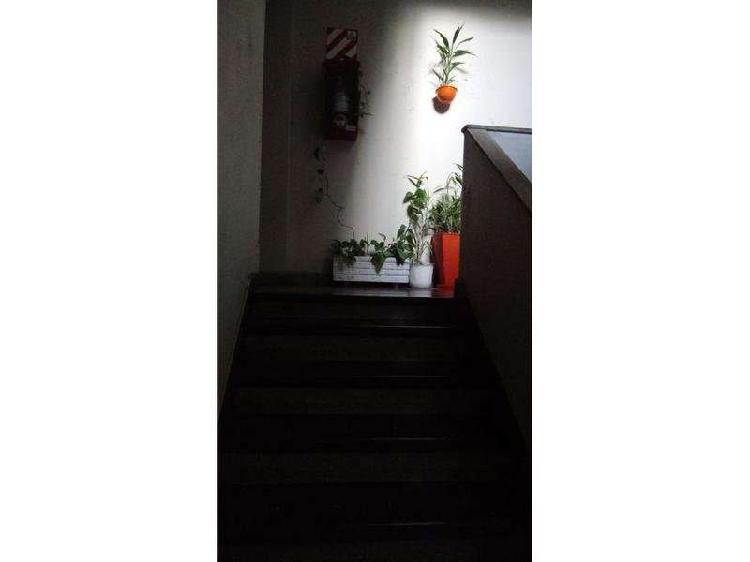 Ph 3 ambientes luminosos 2° piso por escalera-balcón