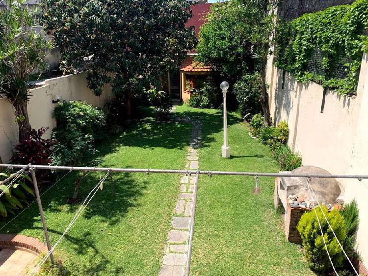 Casa centrica con jardin / dueño