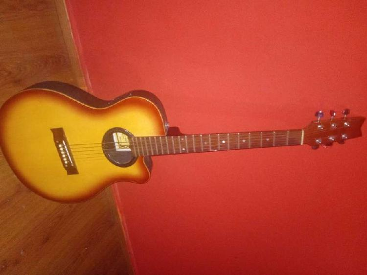 Guitarra electroacustica gracia