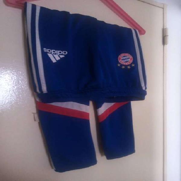 Pantalon adidas 13-14 años talle l del bayern munchen$2000
