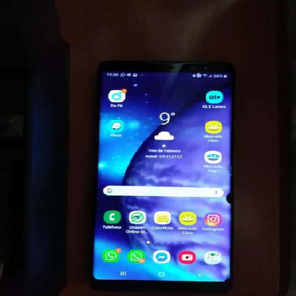 Samsung galaxy note 8, completo y libre, con leves detalles.