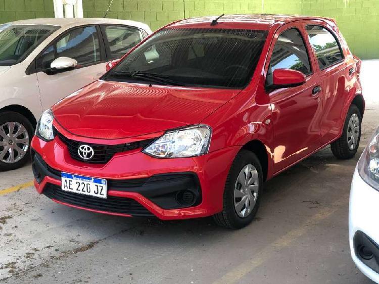 Toyota etios x 5 puertas vendo o permuto