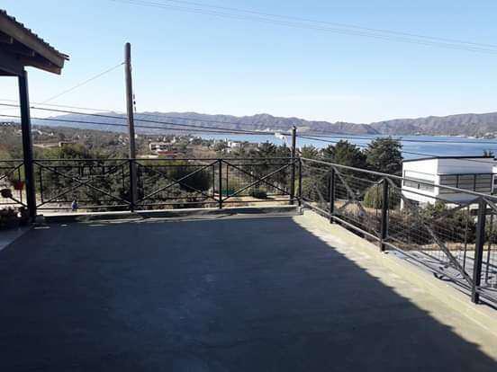 Venta gran casa en villa del lago con gran vista recibe