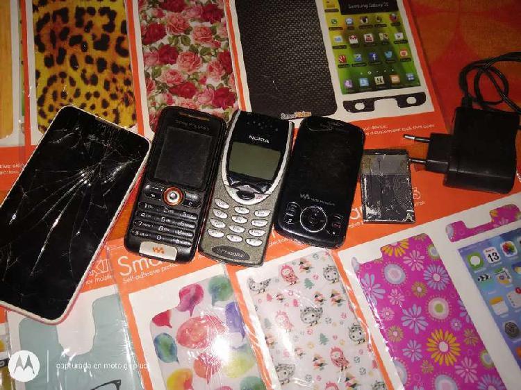 Vendo los celulares son de los viejitos están andando no