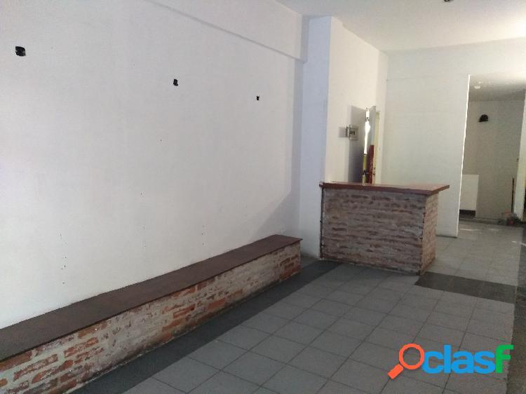 Alquiler Local - a la calle - Bolivar 2500 2