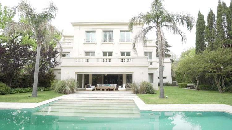 Casa 8 ambientes en venta - alquiler anual -