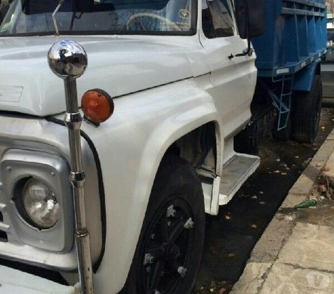 Ford f700 volcador motor perquin impecable