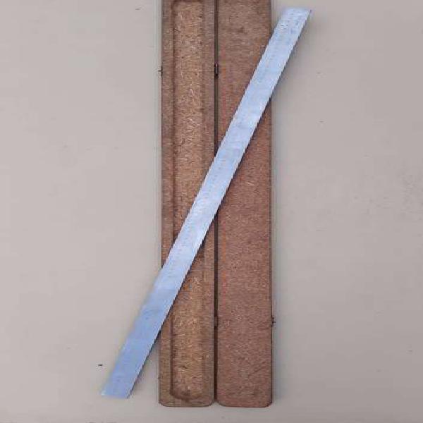 Regla de acero inox milimetrada de 1 metro incluye estuche