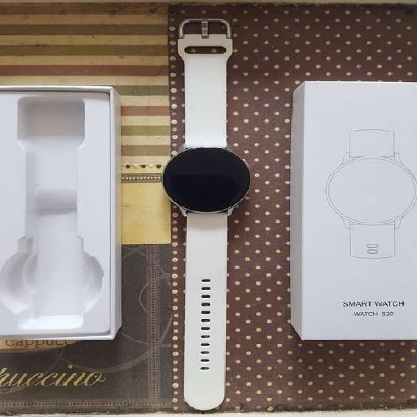 Smartwatch s20 - hermoso nuevo - malla blanca reloj negro