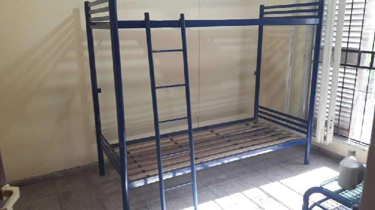 Vendo cama cucheta doble de caño reforzado desmontable