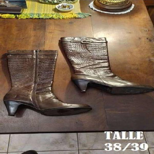 Zapatos y botas 18 pares talle 38/39 todo x 3000