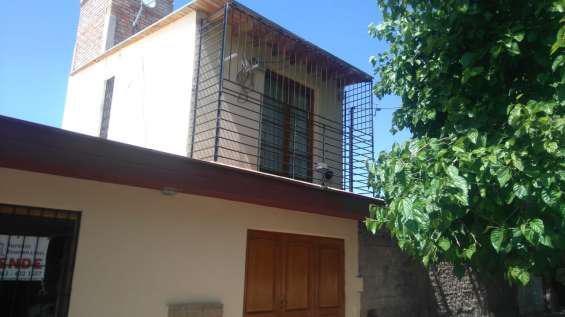 Preciosa bº bella vista 3 dorm 2 plantas 2 baños patio