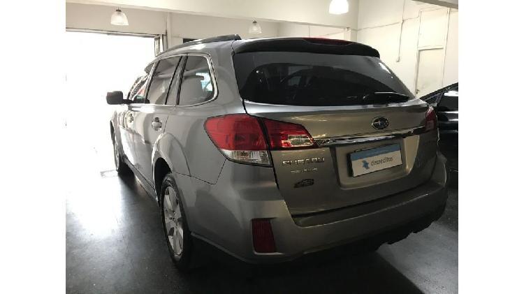 Subaru Outback at año 2011