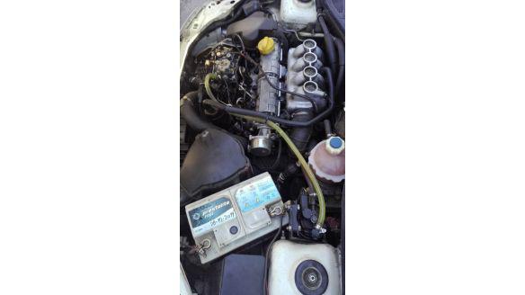 VENDO CLIO 98
