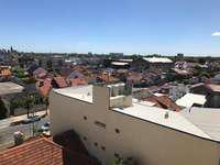 Alquiler 36 meses - 2 ambientes con cochera y balcón
