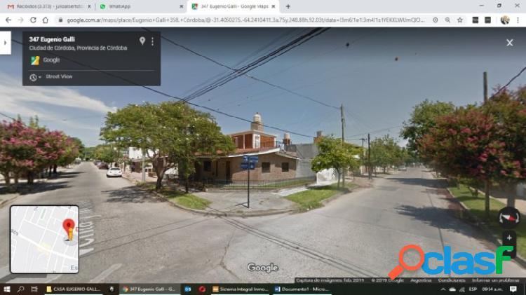 Vendo casa esquina de dos dormitorios con patio y garaje + depto de 1 dormitorio pa con entrada independiente