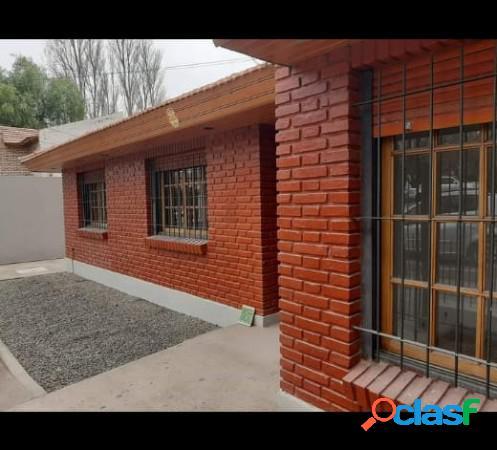 Casa amplia apta uso comercial av. san juan 1300