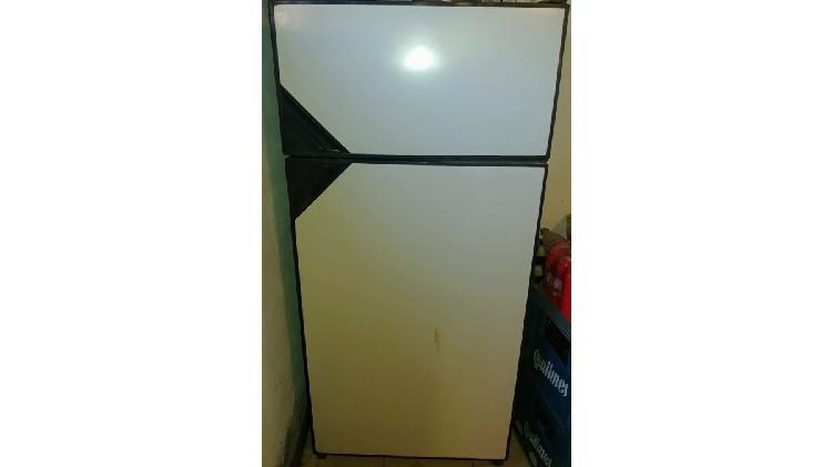 Heladera/ freezer 340 lts aurora grant funcionando