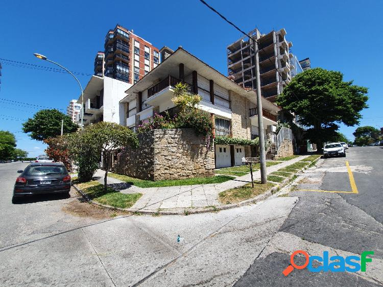 Venta │ playa grande │ ph 4 amb │ cochera |
