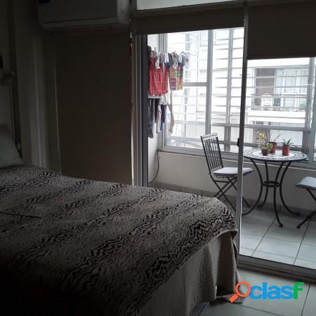 Venta Departamento San Lorenzo N° 900, un ambiente, divisible, balcón a la calle. Excelente 3