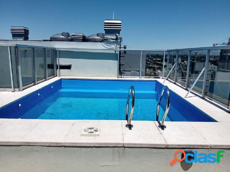 Impecable 2 ambientes - al frente con balcon 43 m2 - edif con amenities - balcon aterrazado