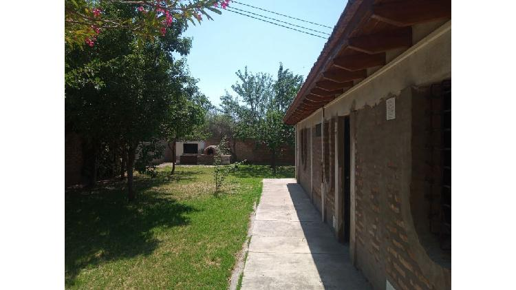 Casa quinta, en venta, 3 dorm. 2 baños piscina servicios,