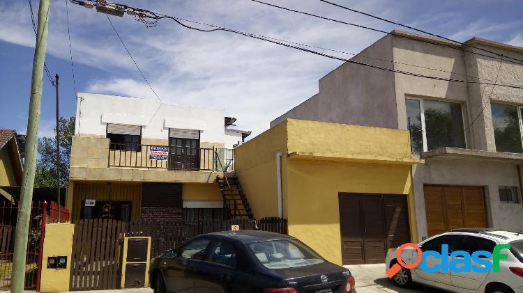 Oportunidad! zona luro y brasil. casa 3 amb. en planta alta / cochera y terraza