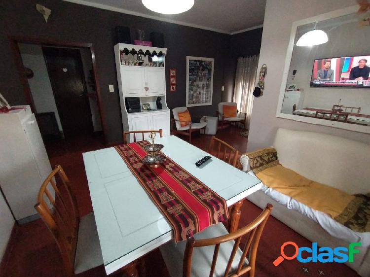 Casa 3 ambientes con loza para ampliar + departamento 2 ambientes