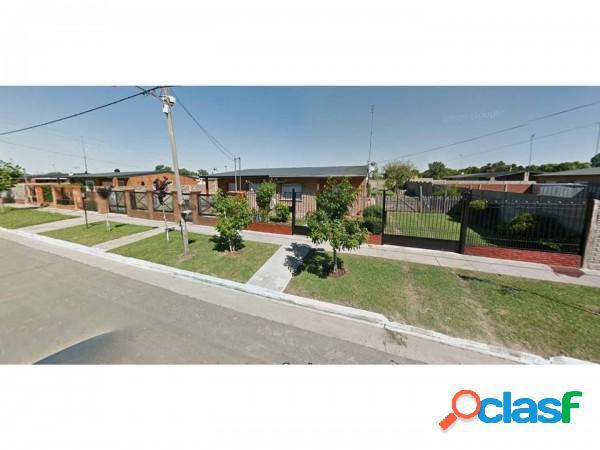 Oportunidad!!hermosa casa a estrenar en barrio semi cerrado, c/ piscina,parque y quincho lote 420 m2