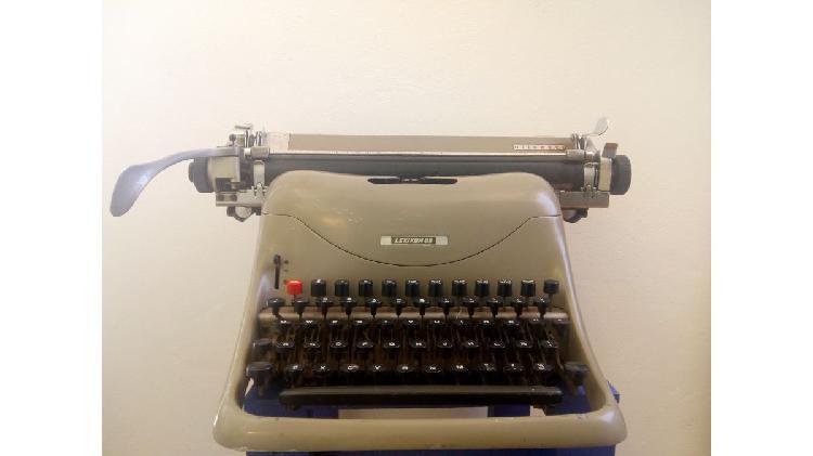 Máquina de escribir - Olivetti Lexikon 80
