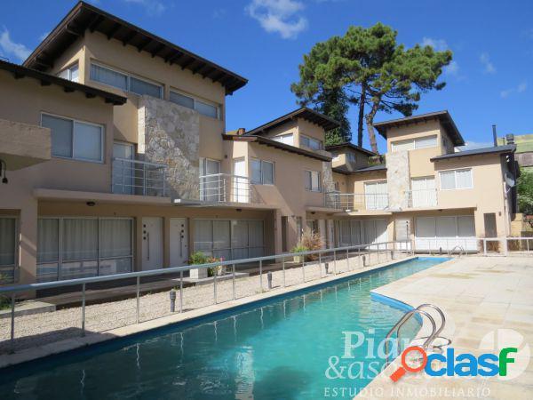 Duplex en venta-triplex-zona duplex-3 dormitorios+piscina+jardin