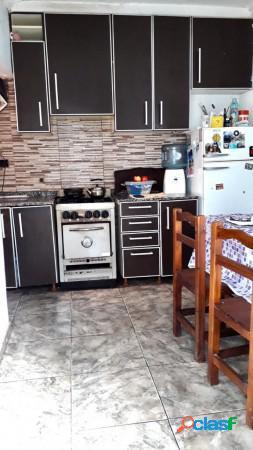 Oportunidad!! exc. ph 3 ambientes + patio, lote de 100m2 en villa santos tesei, hurlingham