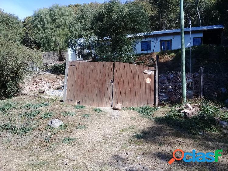 Casa en calle pje joaquín v. gonzález- rio ceballos