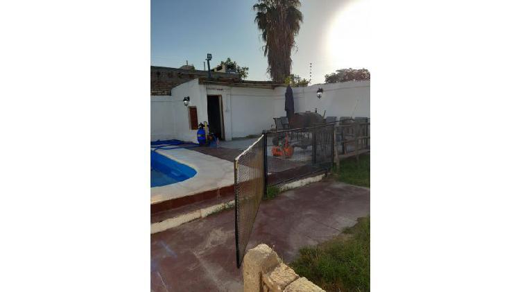 Casa 3 dormitorios / calle damián hudson / guaymallén