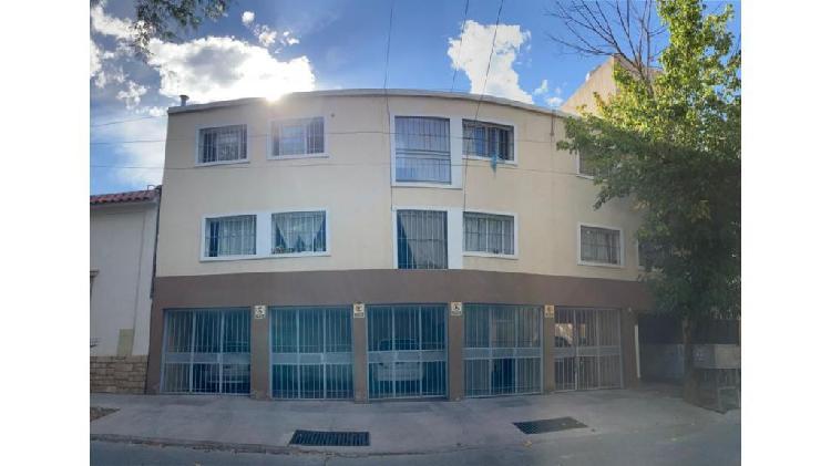 Dpto. 1 dormitorio duplex adyacente calle san martin y