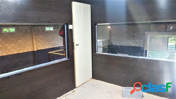Galpón 200 m2 a estrenar, tinglado y pisos de hormigon armado