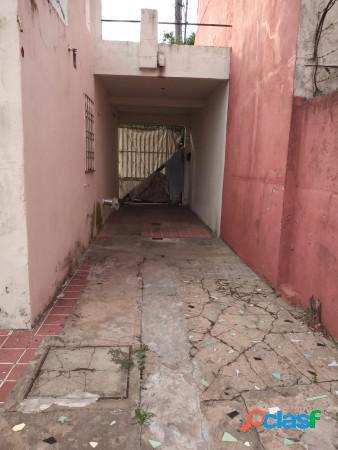 Casa en lote propio de 3 amb, fondo y terraza 2
