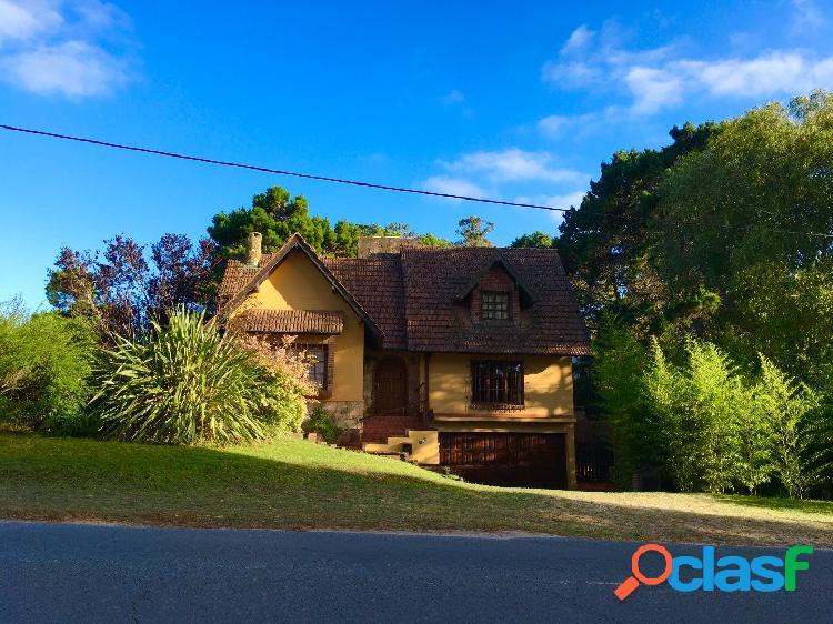 Casa en valeria del mar. 3 dormitorios. 2 pisos. excelente rentabilidad