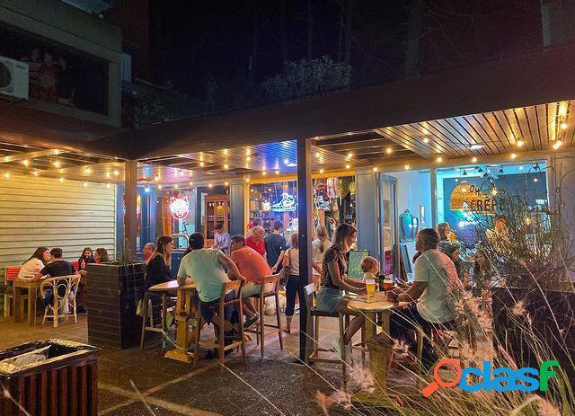 Locales comerciales en el centro de pinamar. 9 locales: venta en conjunto o en block